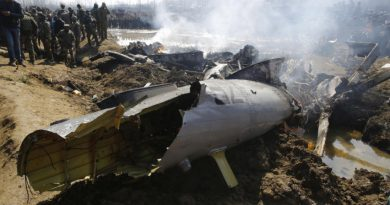 Видео :Чудо какво што не се памети! Во страшниот пад на патнички авион има преживеани