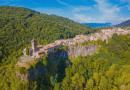 Градежно чудо во Каталонија: Величенствен средновековен град изграден на карпи