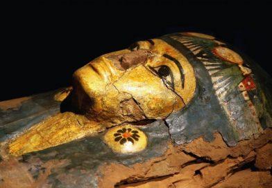 """(ВИДЕО, ФОТО) Египет отвори 160 саркофази, некои запечатени со """"проклетство"""""""