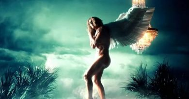 (ВИДЕО) Џенифер Лопез, како ангел, потполно гола во новиот спот