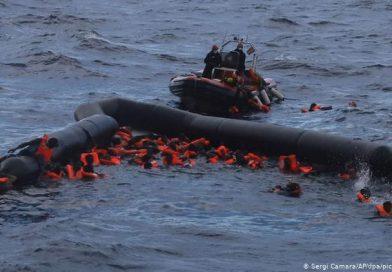 Три недели била сама на море, без храна и вода! Тинејџерка преживеала тонење на брод